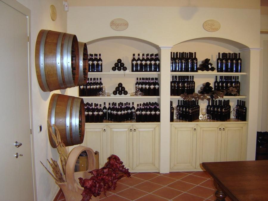 Arredare cantina arredamenti cantine vino with arredare for Arredare una cantina